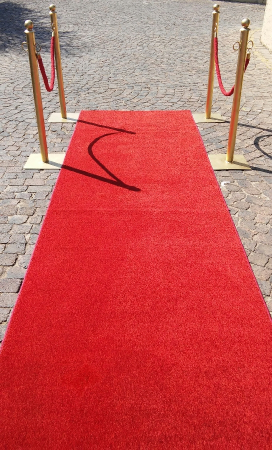 101-party-hire--red-carpet-5m-hire