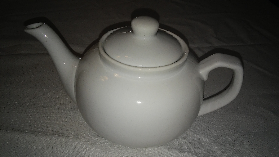 101-party-hire--crockery-gire--teapot