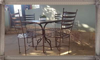 s322b-lily-set-square--solid-table-with-4-chairs