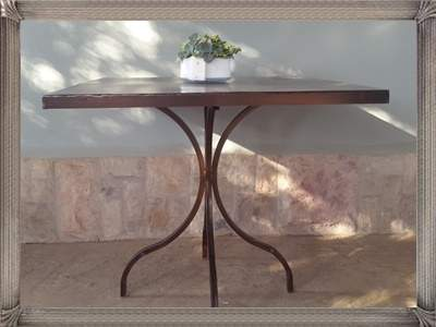 t213a-square-lily-table-with-solid-top
