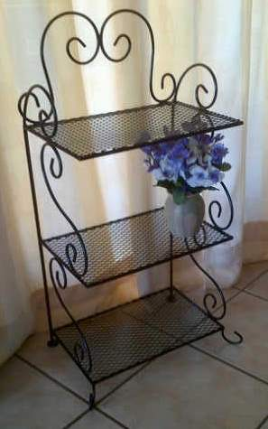st6-rosemary-rack-on-the-floor