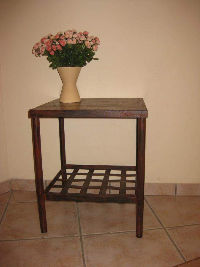 t211-side-table-square