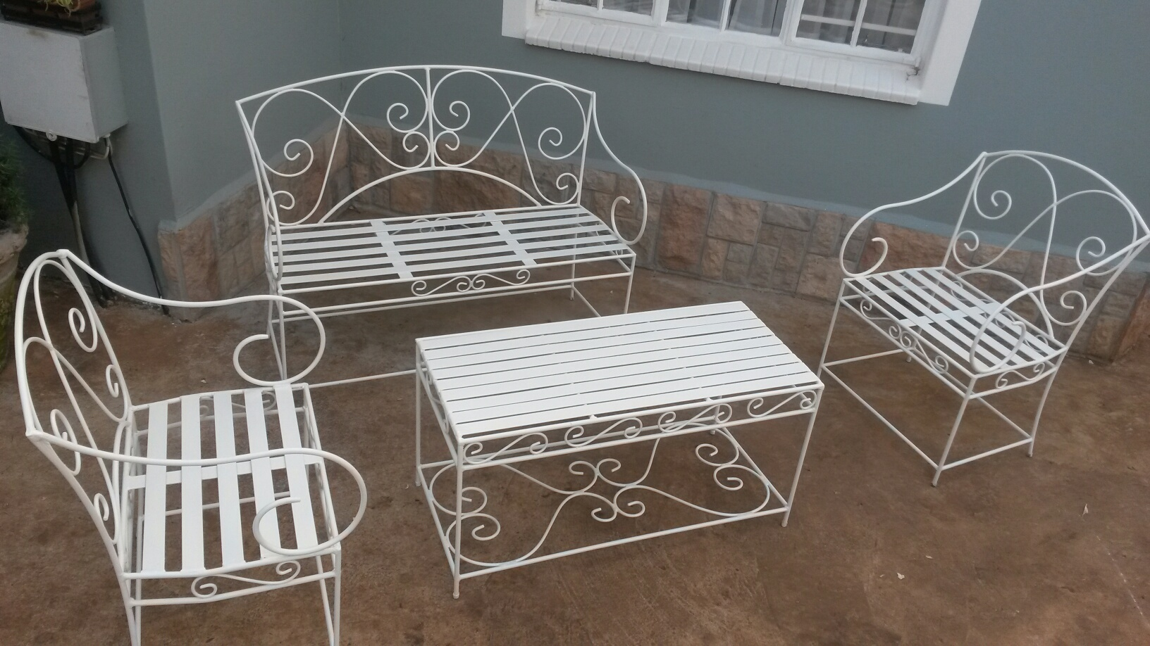 s323-pluto-patio-set