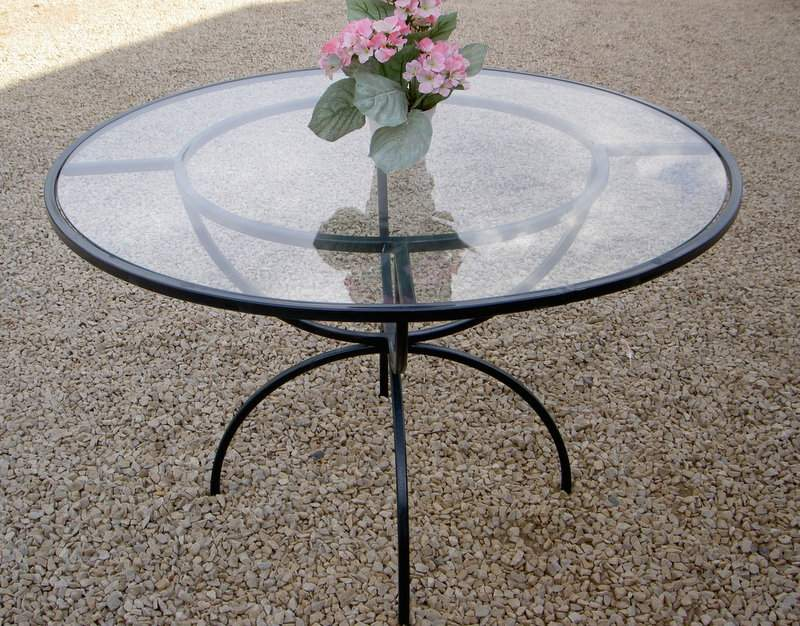 t21-table-spring-1200-with-glass-top-6mm