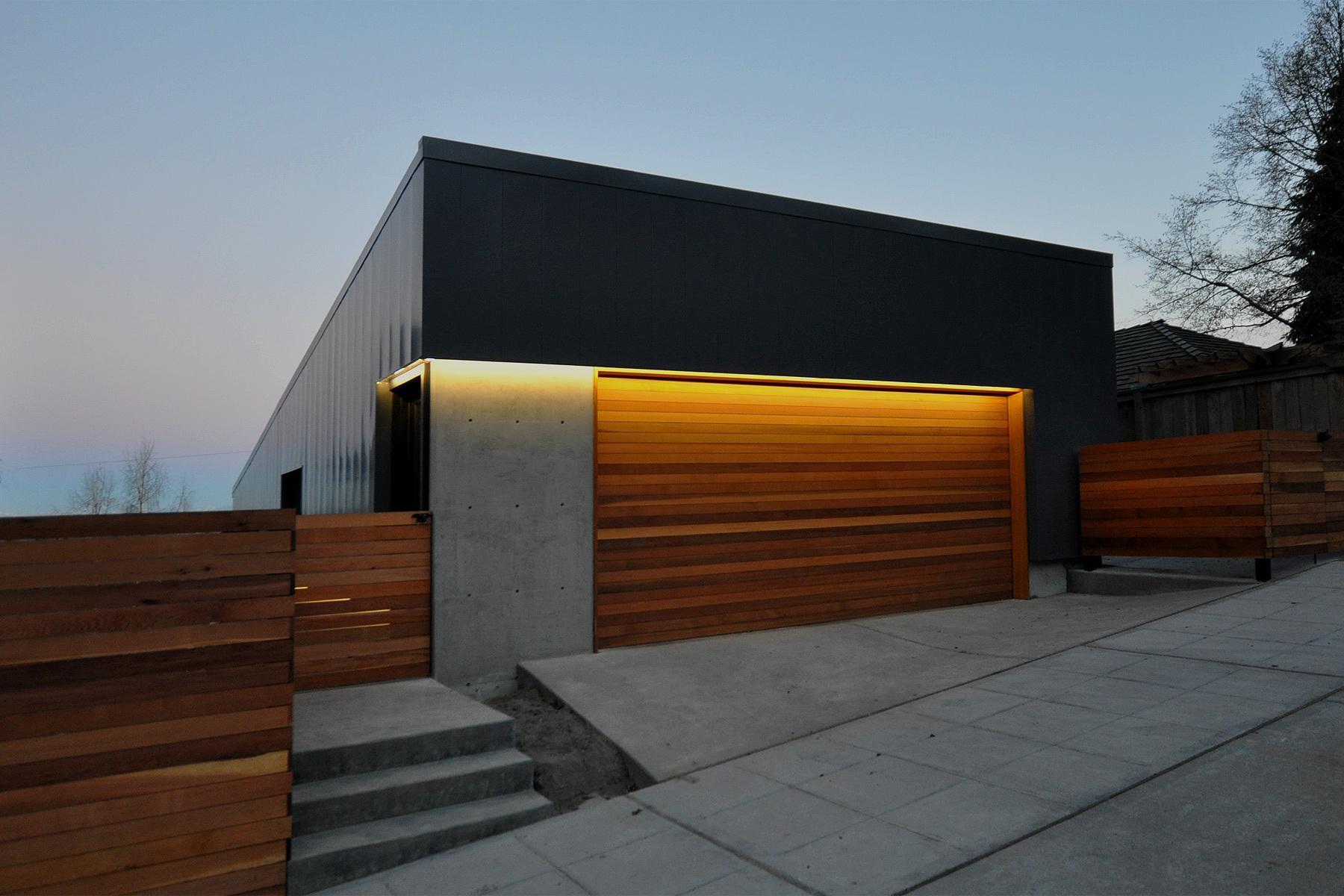 Double Horizontal Garage Door