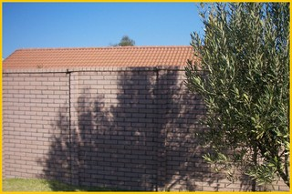 brick-crete-plum-colour-pre-cast-walling