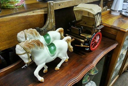 antiques-horse-carriage-model-12245