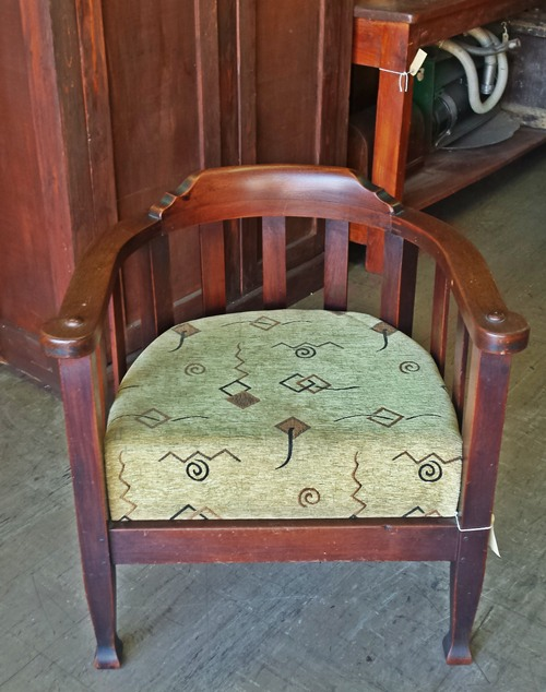 horseshoe-chair-11342