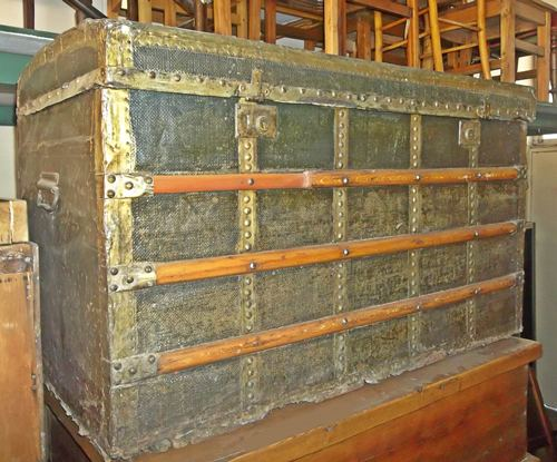 antique-chest-5944