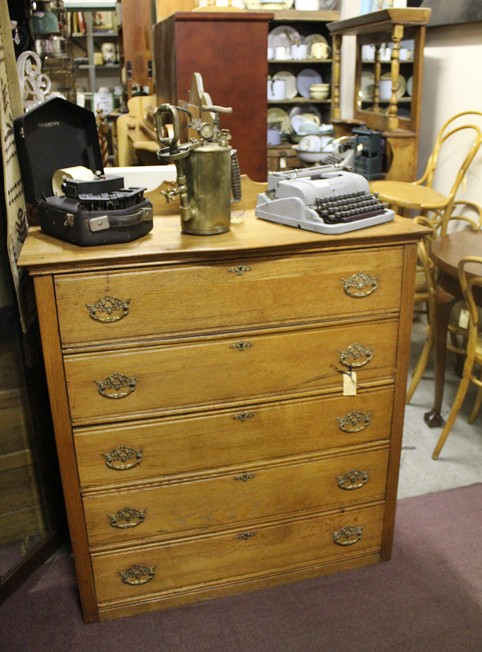 chest-of-drawers-oak-8920
