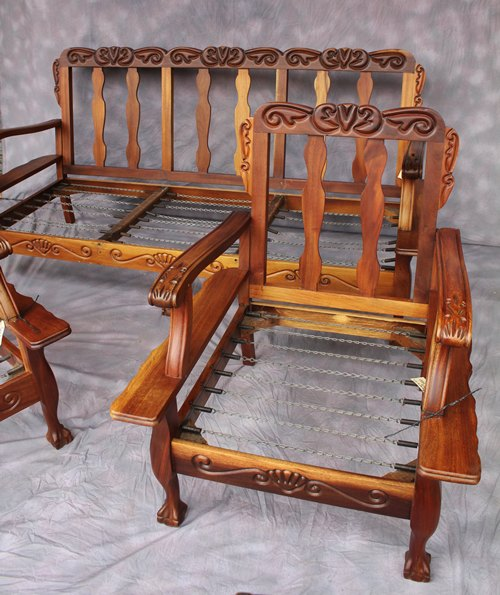 bench-and-chairs-9128