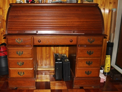 mahogany-roll-top-desk-sold