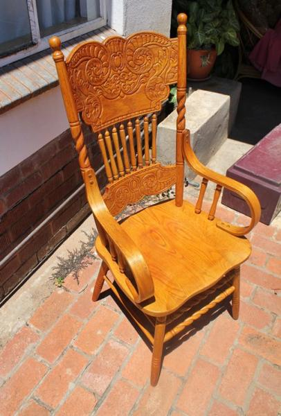 oak-and-beech-wood-colonial-reproduction-arm-chair