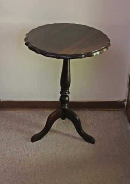 stink-wood-wine-table-sold