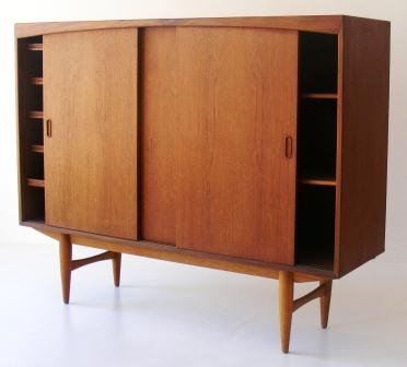sideboard-dresser-teak-with-3-sliding-doors