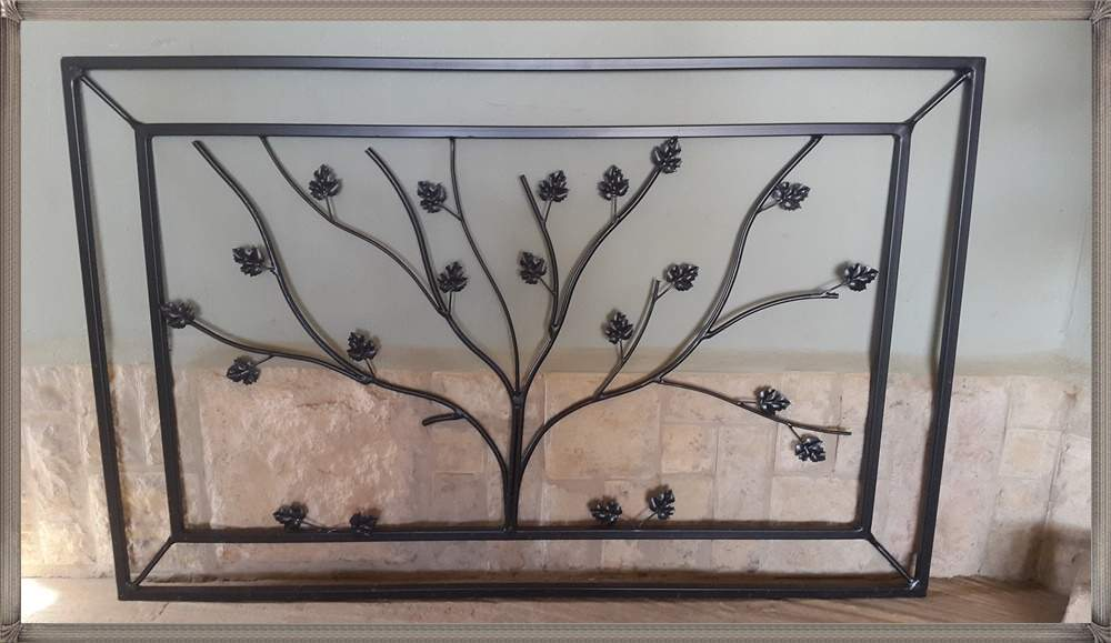 t24-framed-tree-trellis