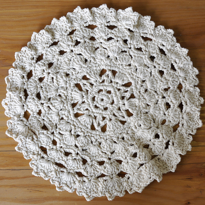 crochet-doily-underplate