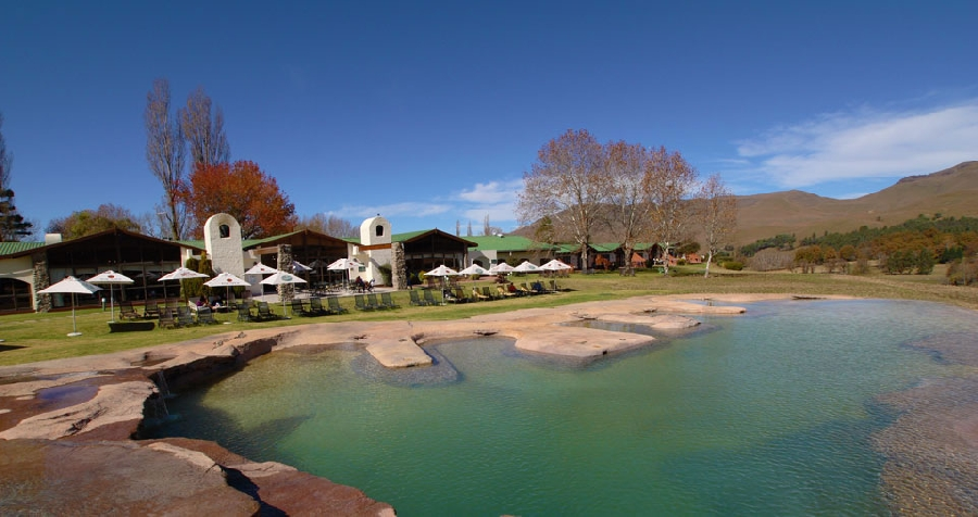 bushman&#039s-nek-berg-&amp-trout-resort