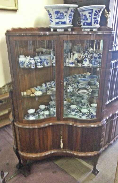 ball-and-claw-corner-display-cabinet-10688