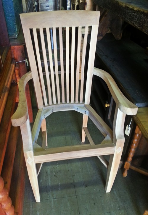 unstained-chair-with-arms-web3