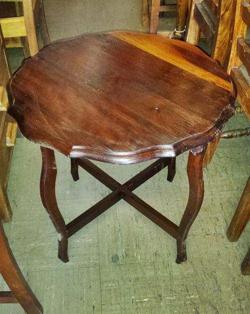 small-round-table-wad122