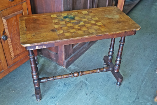 antique-chess-table-10794