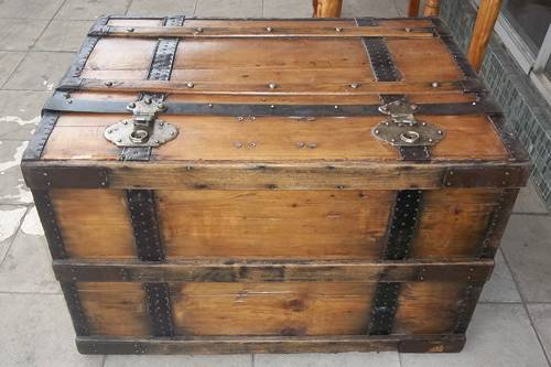 antique-pirate-chest-9880