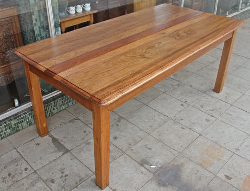 dinning-table-9040