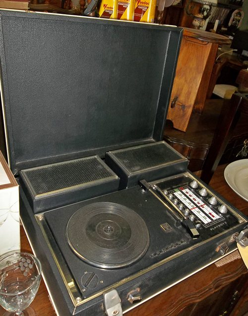 tempest-radio-and-vynil-player-sold