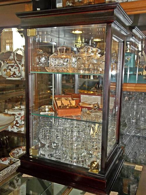 display-cabinet-9766