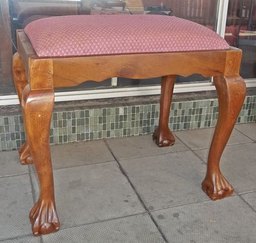 ball-&amp-claw-dressing-table-chair-9940